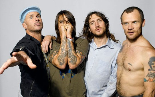 Red-Hot-Chili-Peppers-pleaca-in-turneu