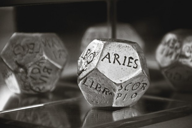 concept-astrology-aries-universe-159670